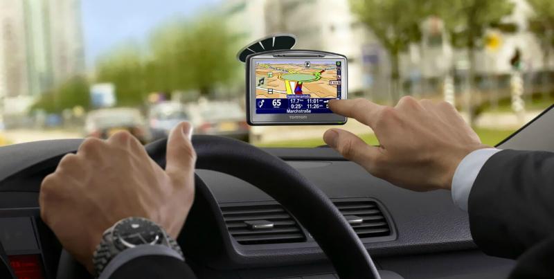 Выбираем лучший GPS-навигатор для автомобиля
