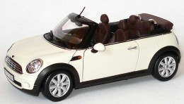 Модель автомобиля Mini Cooper Cabrio R57 Pepper White 80 43 2 148 812