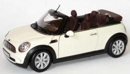 Модель автомобиля Mini Cooper Cabrio R57 Pepper White 80 43 2 148 812