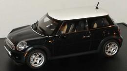 Модель автомобиля Mini Cooper (R56) Astro Black 80 42 0 410 394