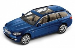 Модель автомобиля BMW 5 Series Touring (F11), Deep-sea blue, Scale 1:1880 43 2 158 016