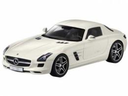 Модель Mercedes-SLS Designo Mystic White 1:12 B66960046