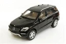 Модель Mercedes-Benz ML, Obsidian Black, Scale 1:18 B66960063
