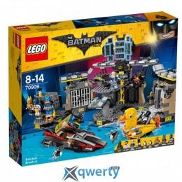LEGO The Batman Movie Нападение на Бэтпещеру 1047 деталей (70909)